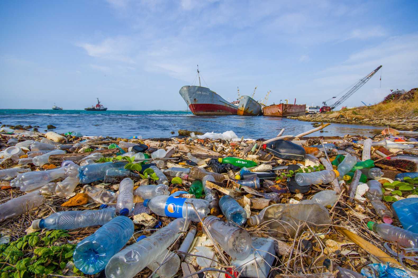 пластик в воде