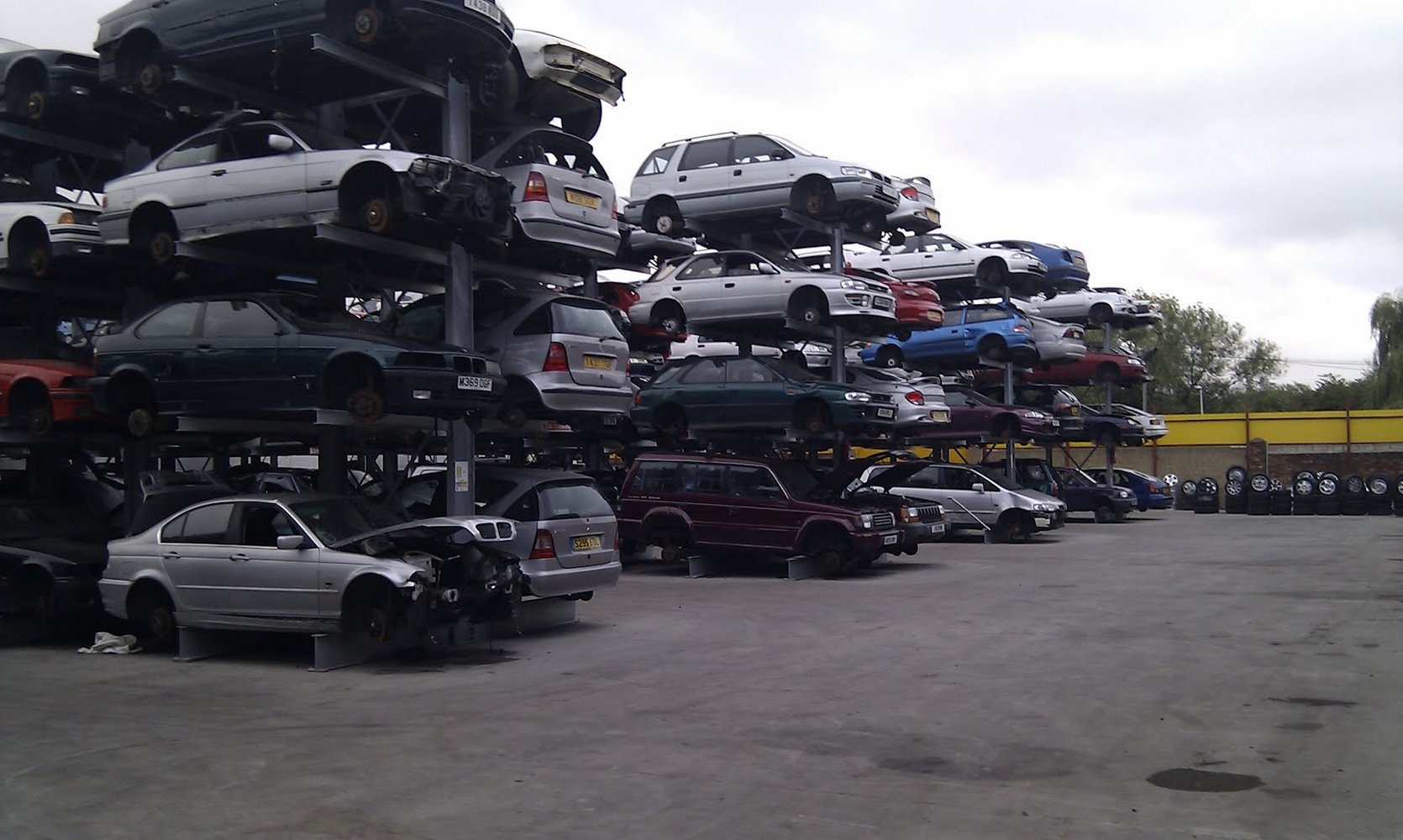 Особенности свалок машин в Японии