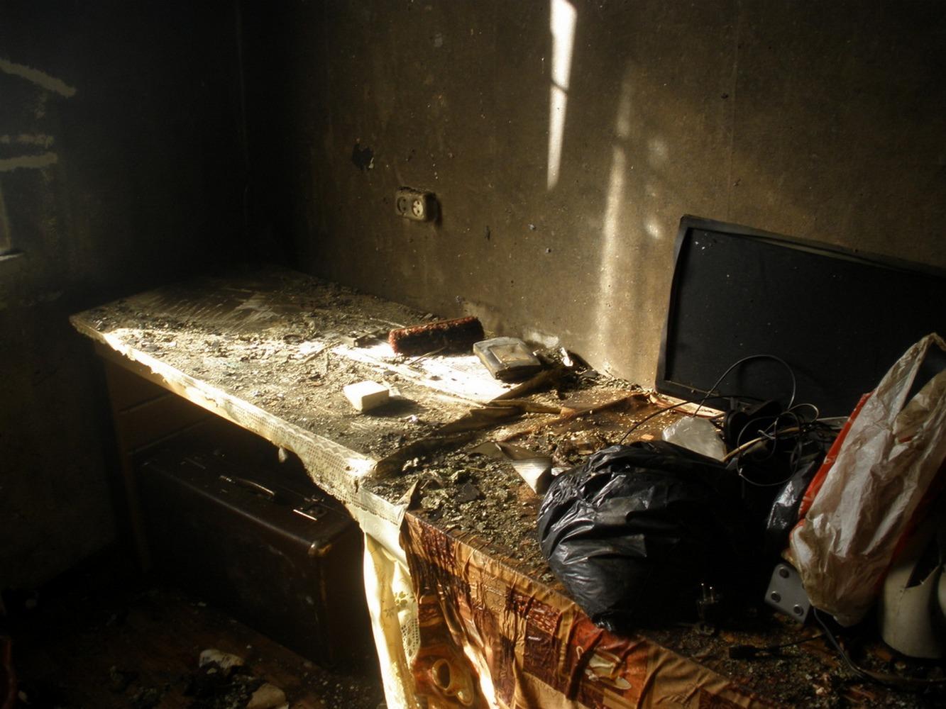 мусор после пожара
