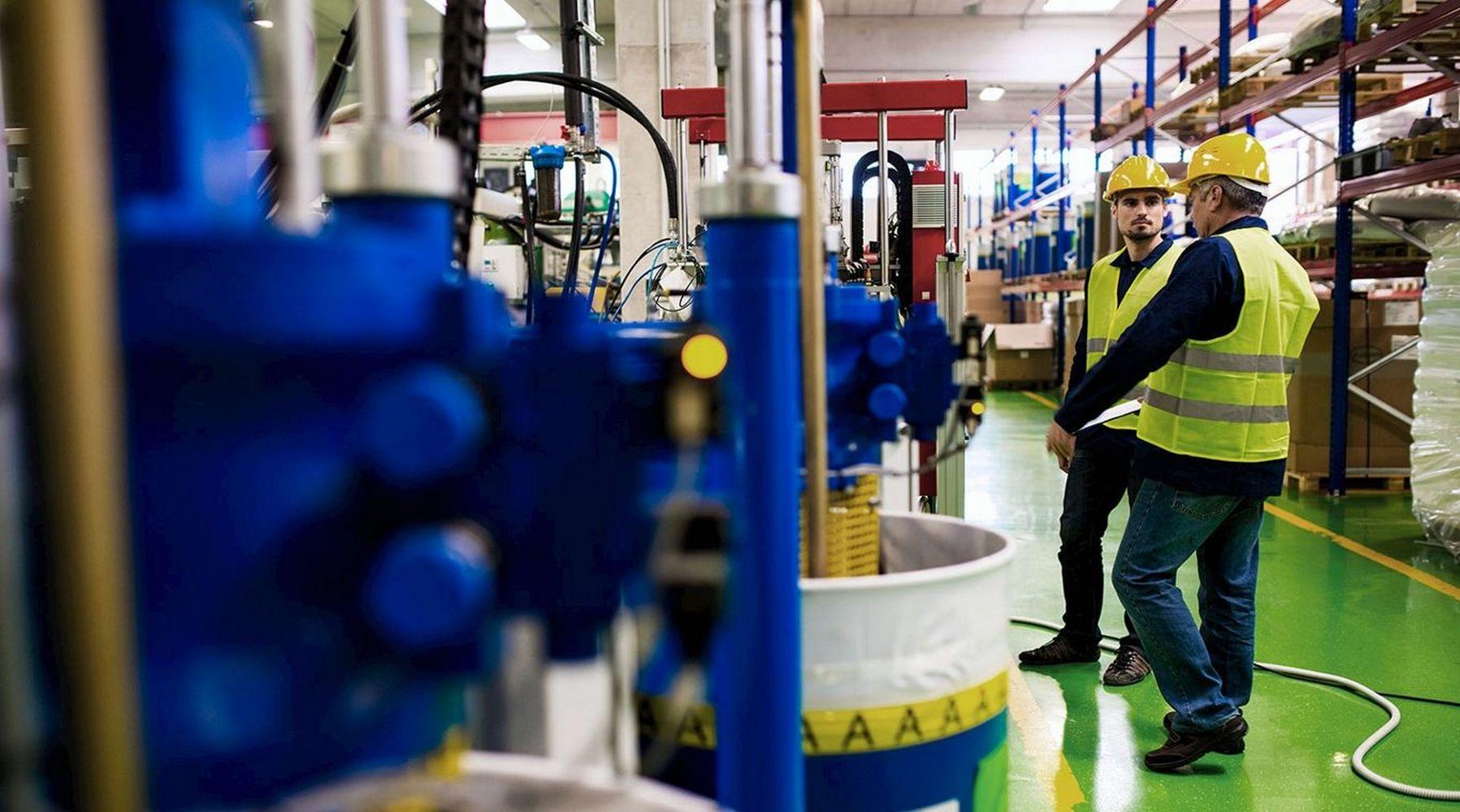 работники сферы переработки нефти