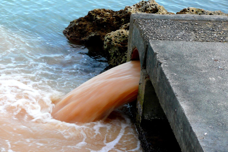 сброс отходов в воду