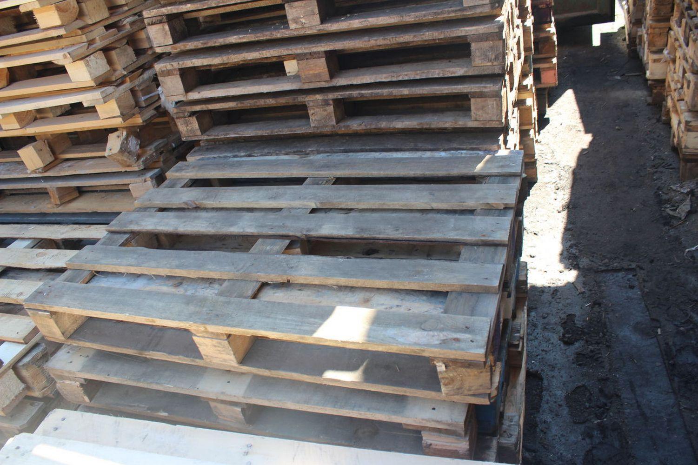 склад деревянных поддонов