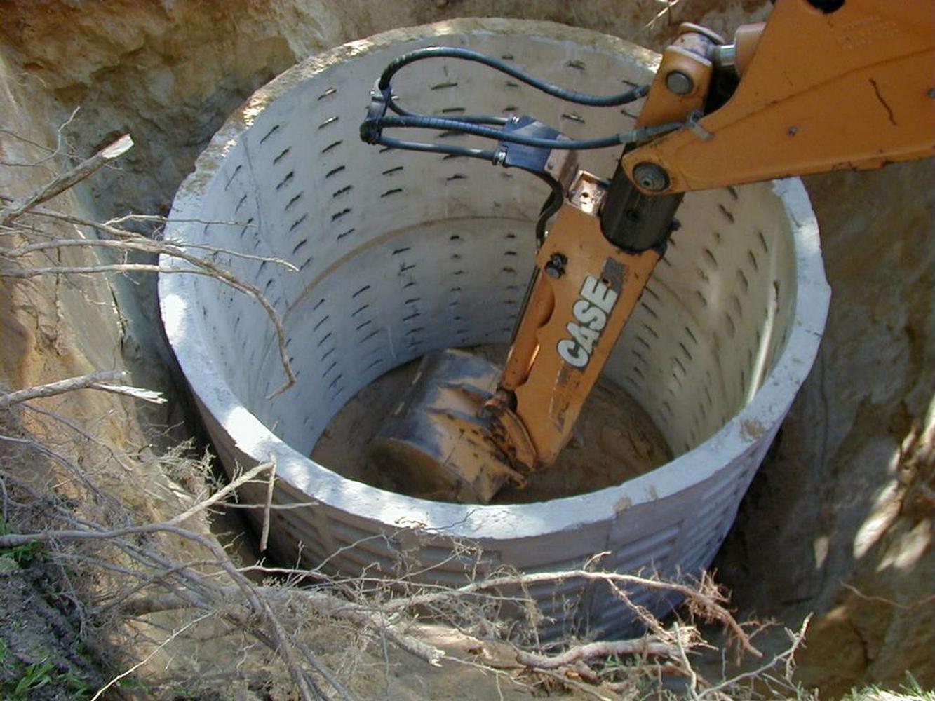 установка колец дренажной ямы